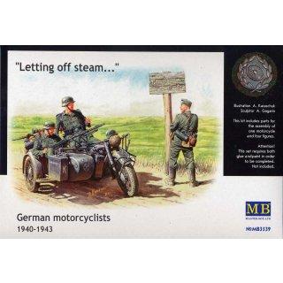 1:35 German Motorcyclists 1940-42