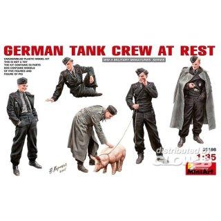 1:35 German Tank Crew at Rest