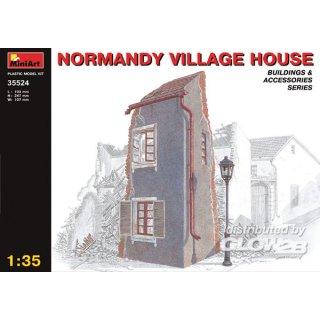 1:35 Dorfhaus in der Normandie